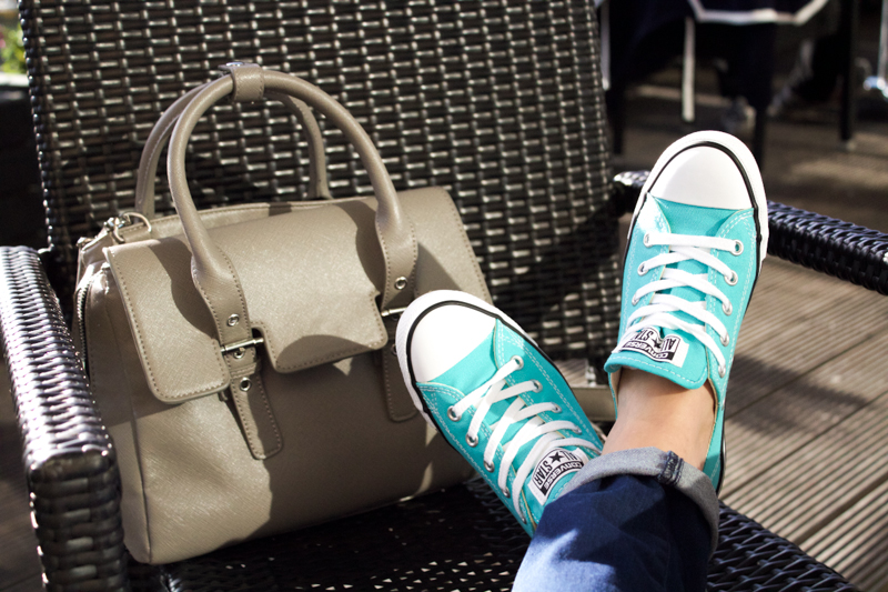 green dainty converse
