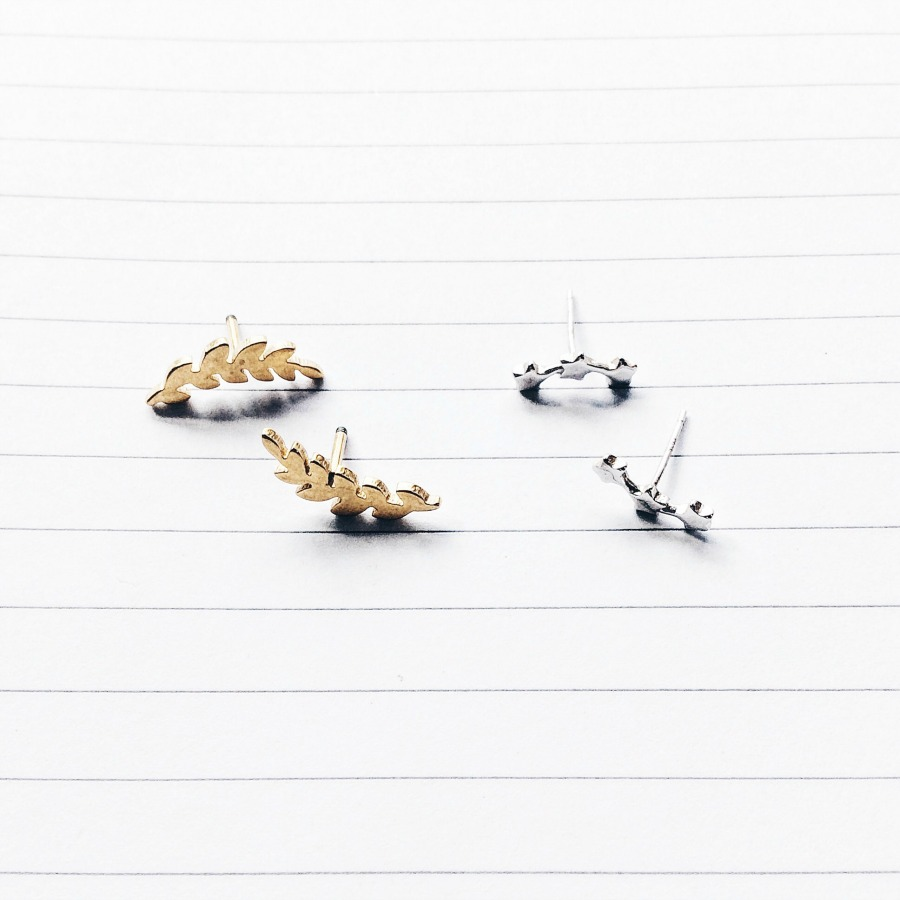 The Happiness Boutique Minimalist Delicate Earrings